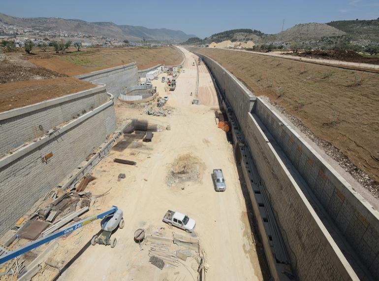 דניה סיבוס - מנהרות גילון - תמונה 1