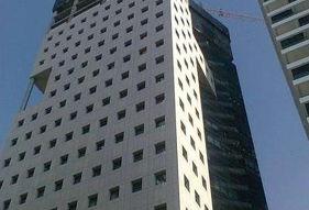 דניה סיבוס - מגדל אפ